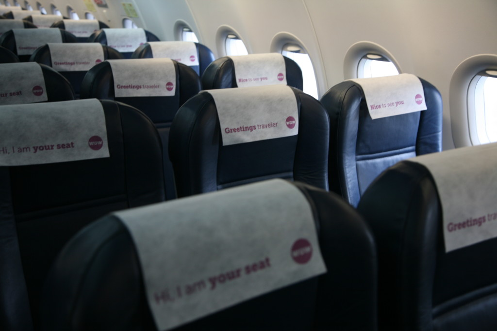 seat-covers-wow-air