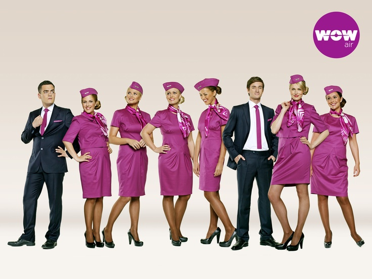 wow-air-staff-uniform