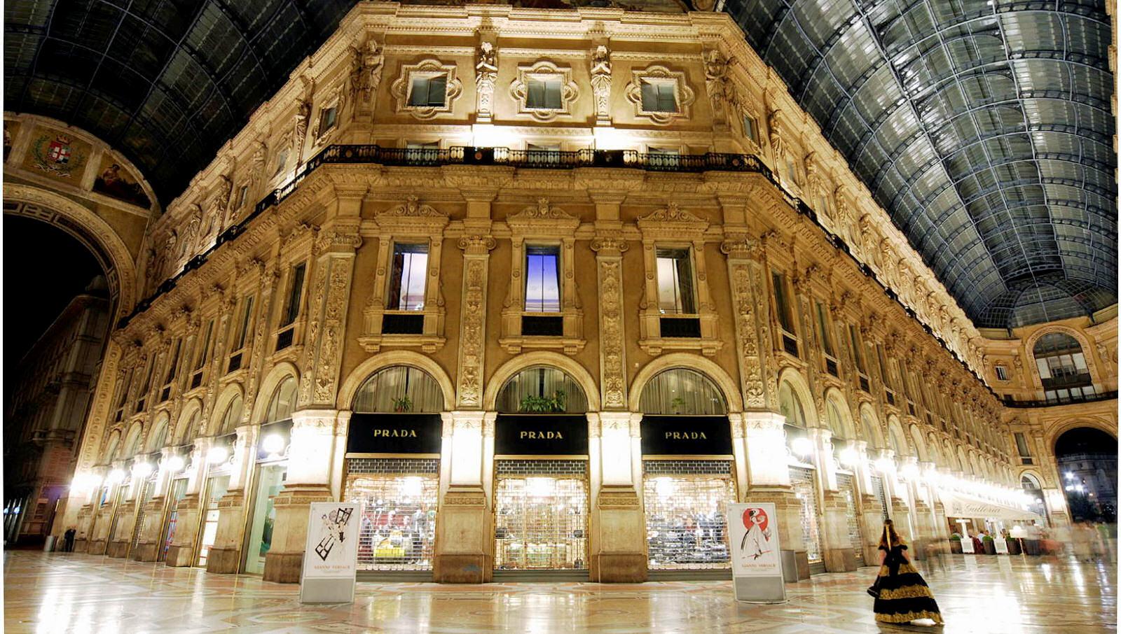 shopping-milan-prada