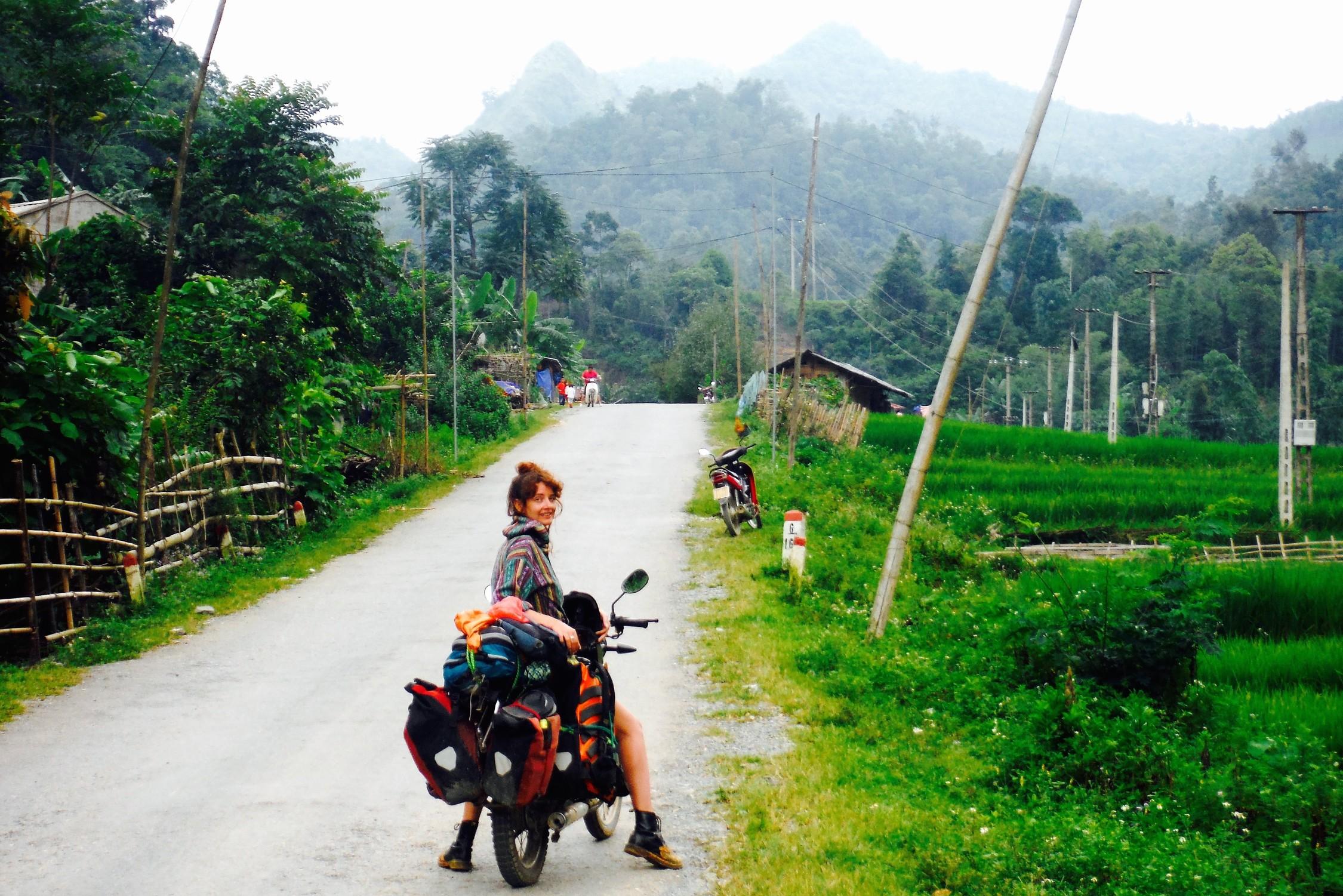 rsz_donna_haute_culture_travel_blog_motorbike_north_vietnam_-_edited