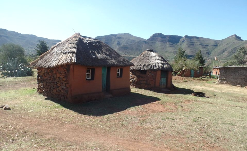 traditional-houses-lesotho