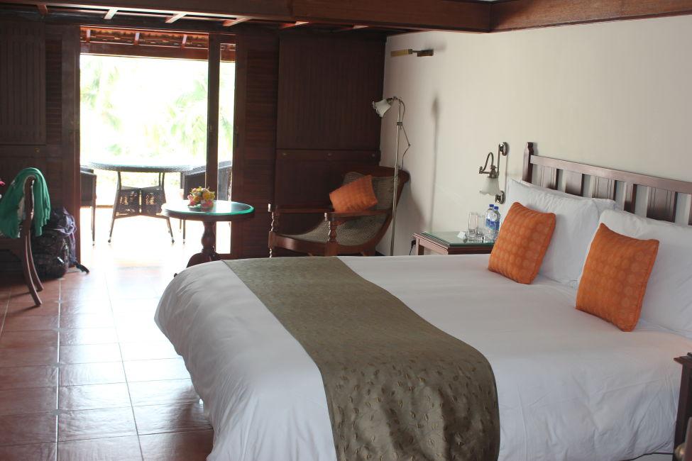 leela-kovalam-bedroom