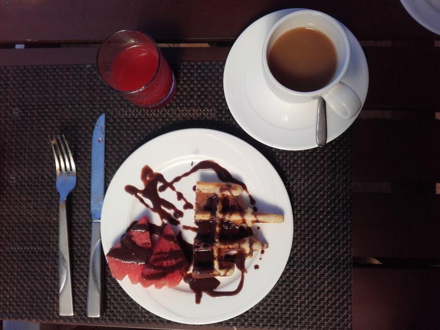 crown-lanta-breakfast