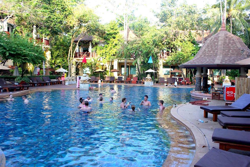 crown-lanta-pool