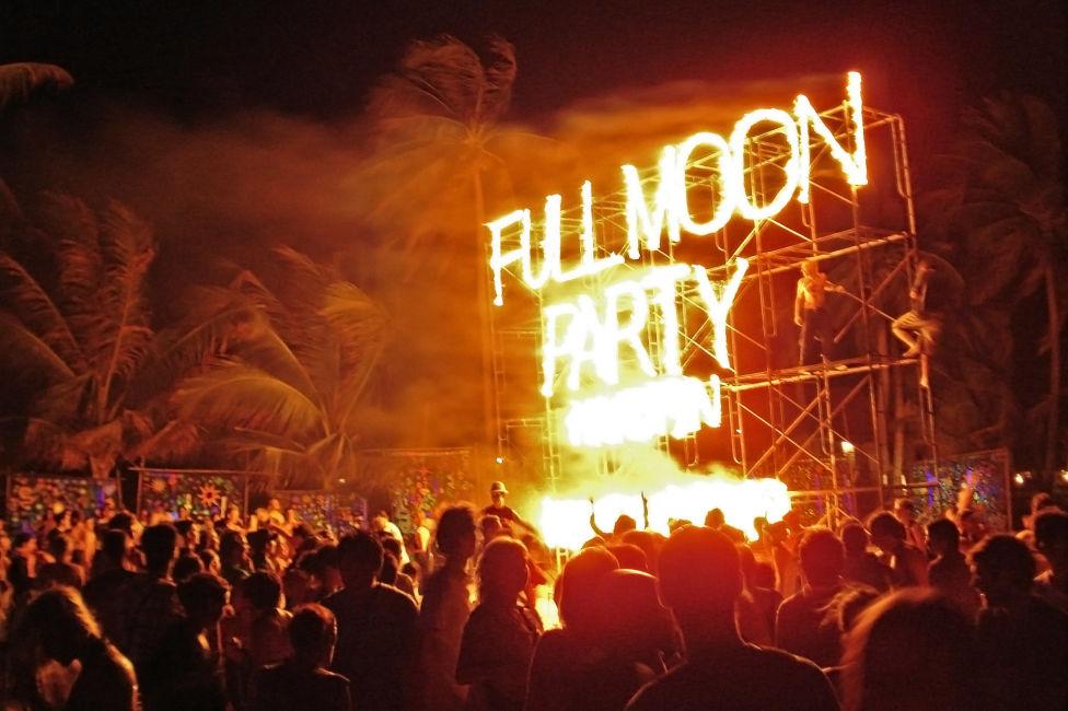 Koh Phangan Full Moon Party Survival Tips - Journalist On ...