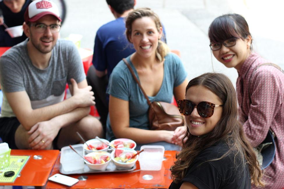 street food tour gang in hanoi