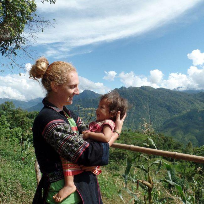 hmong-family-sapa