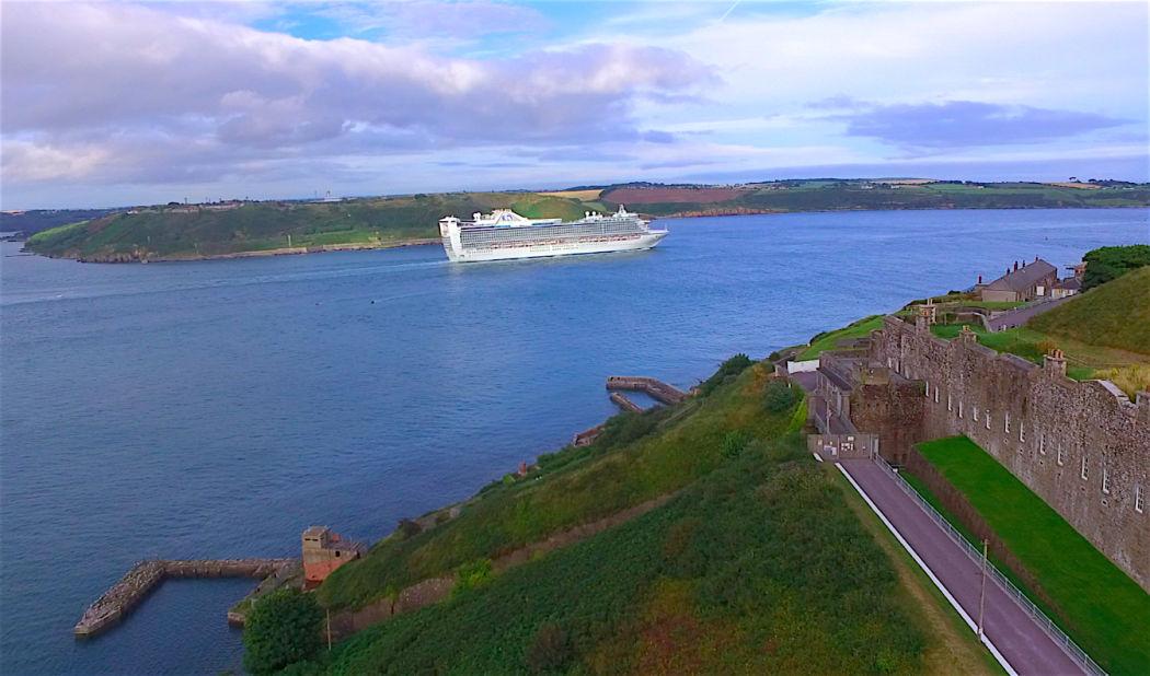 cruise-ship-aerial-photo