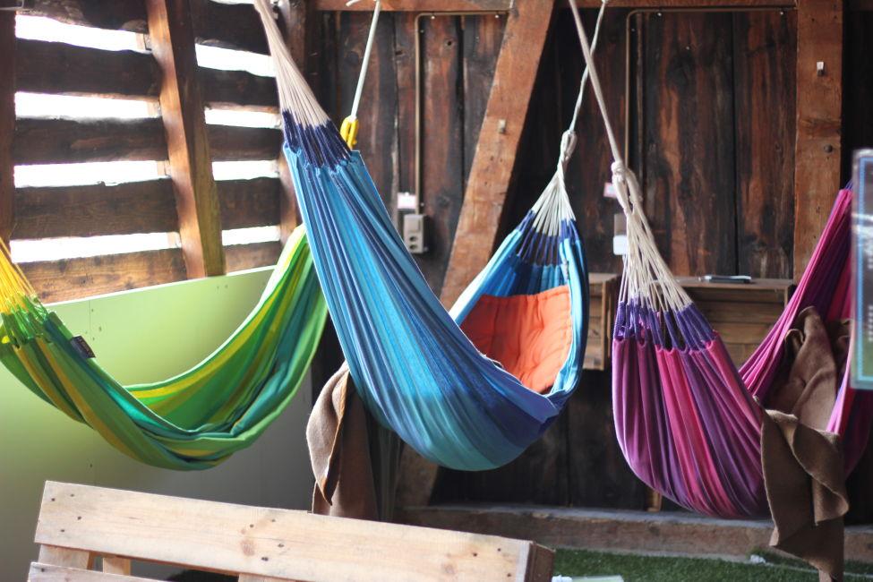 hammock-room