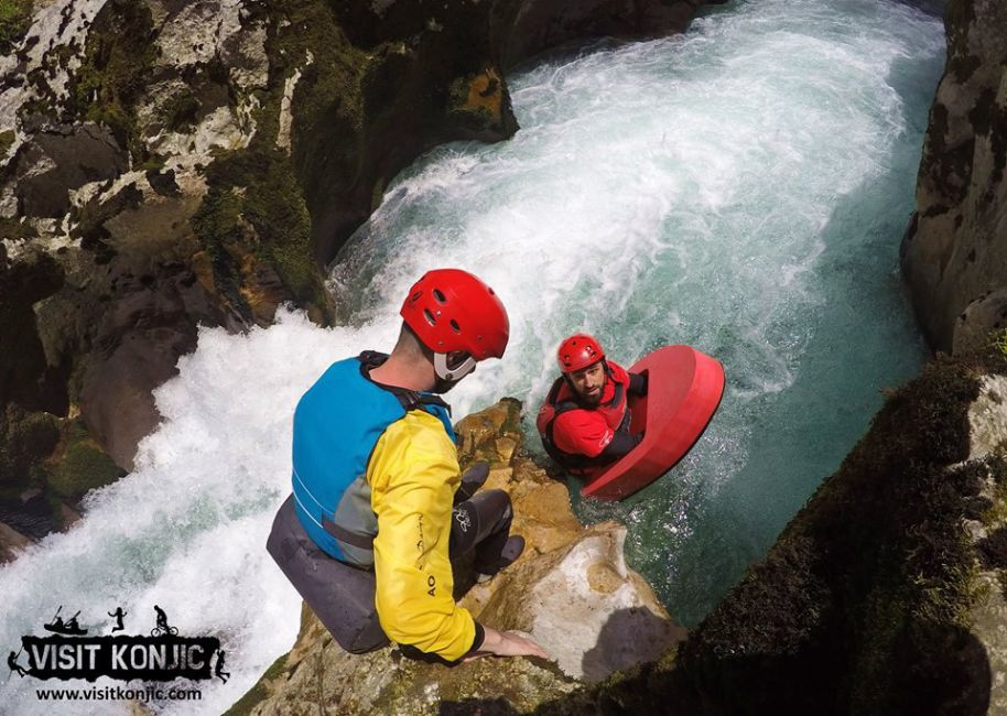 bosnia-canyoning-adventure