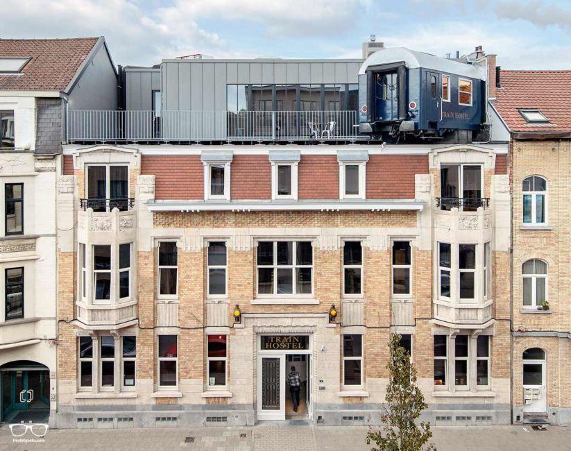 Valencia Lounge Hostel : Valencia lounge hostel on behance