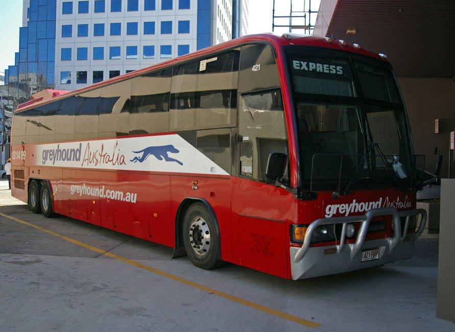 solo travel in australia - buses