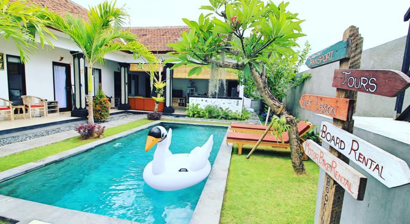surf lodge hostel bali