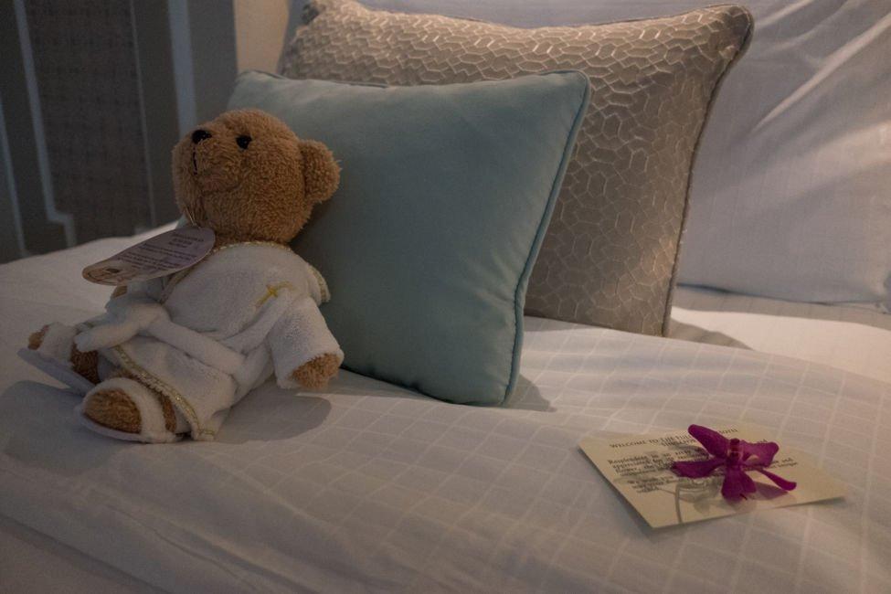 bedroom fullerton hotel