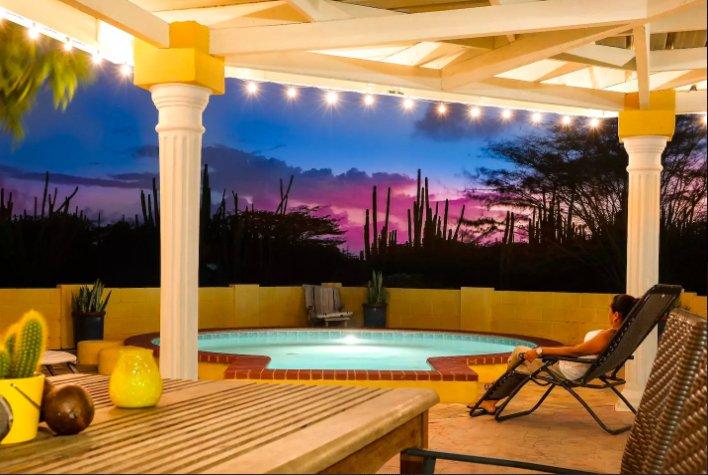 luxury airbnb aruba