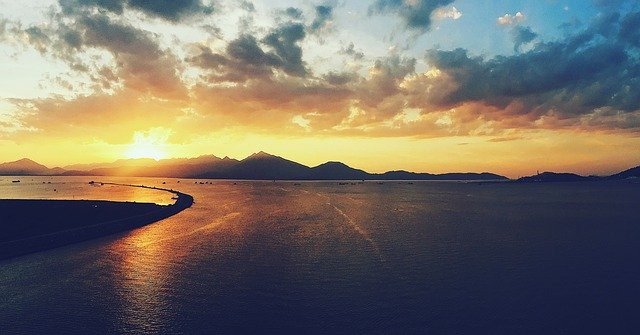 things to do in danang - sunset peninsula