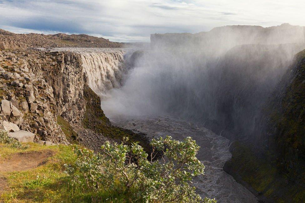 detifoss waterfall iceland