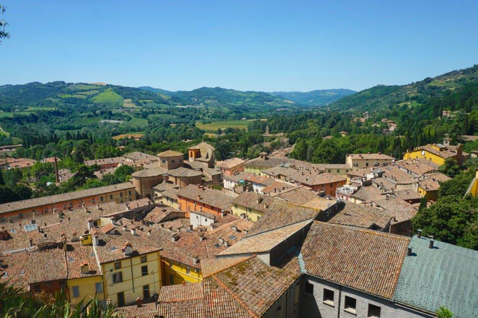 rooftops in brisighella