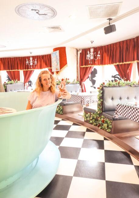 Alice in wonderland cafe taipei