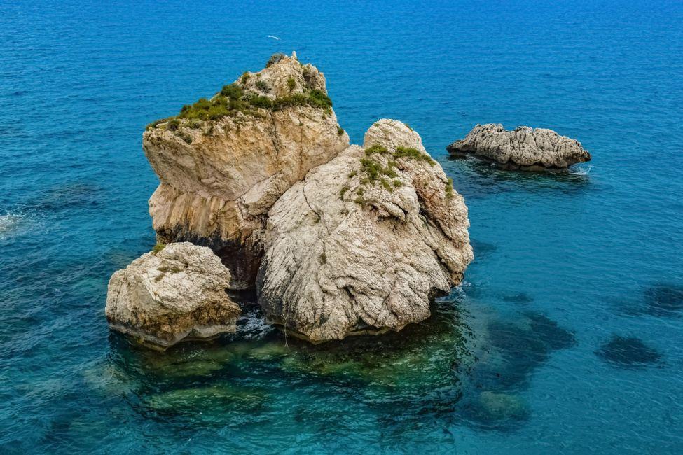 aphrodites rock // paphos attractions