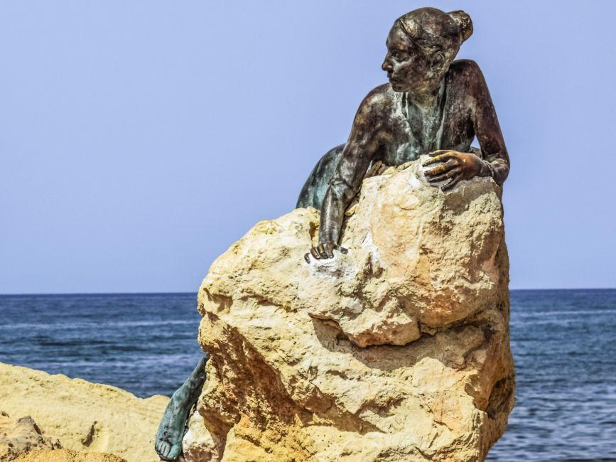 mermaid statur paphos