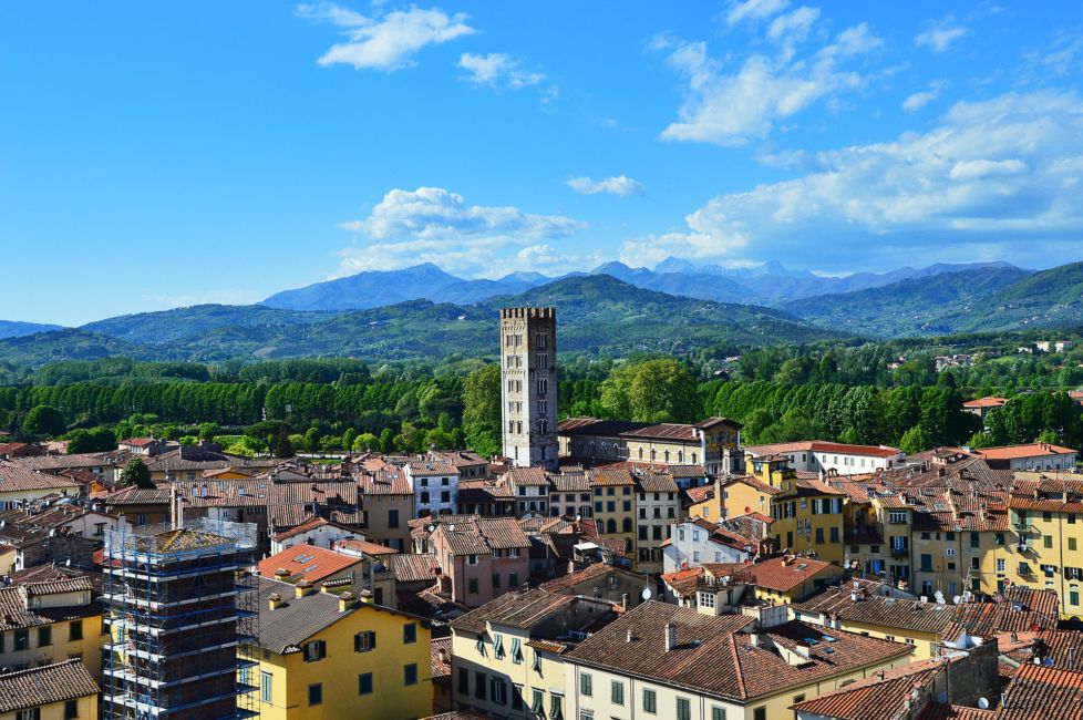 lucca italy rooftops