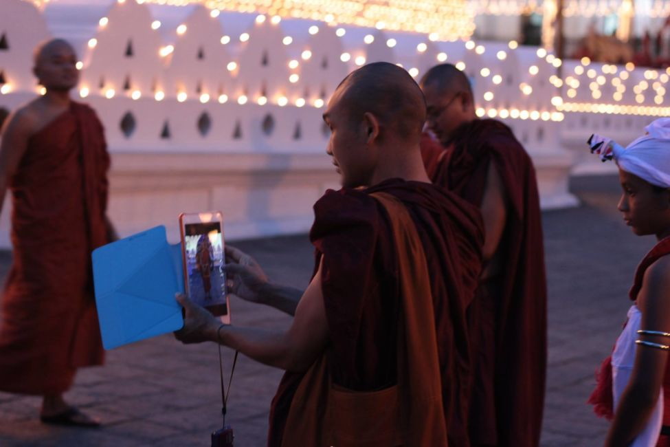 monks at temple of tooth relic
