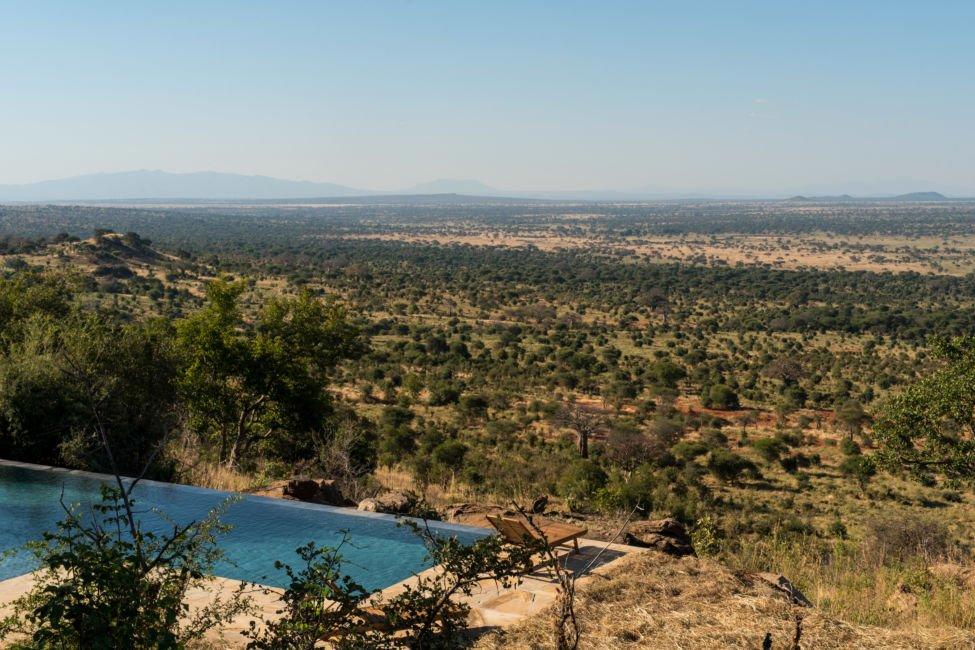luxury safari pool tanzania