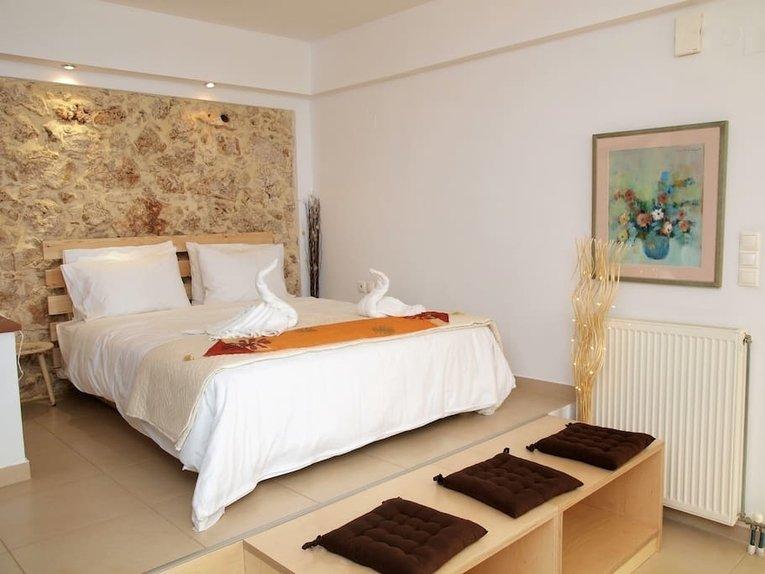 Garden studio airbnb in Crete