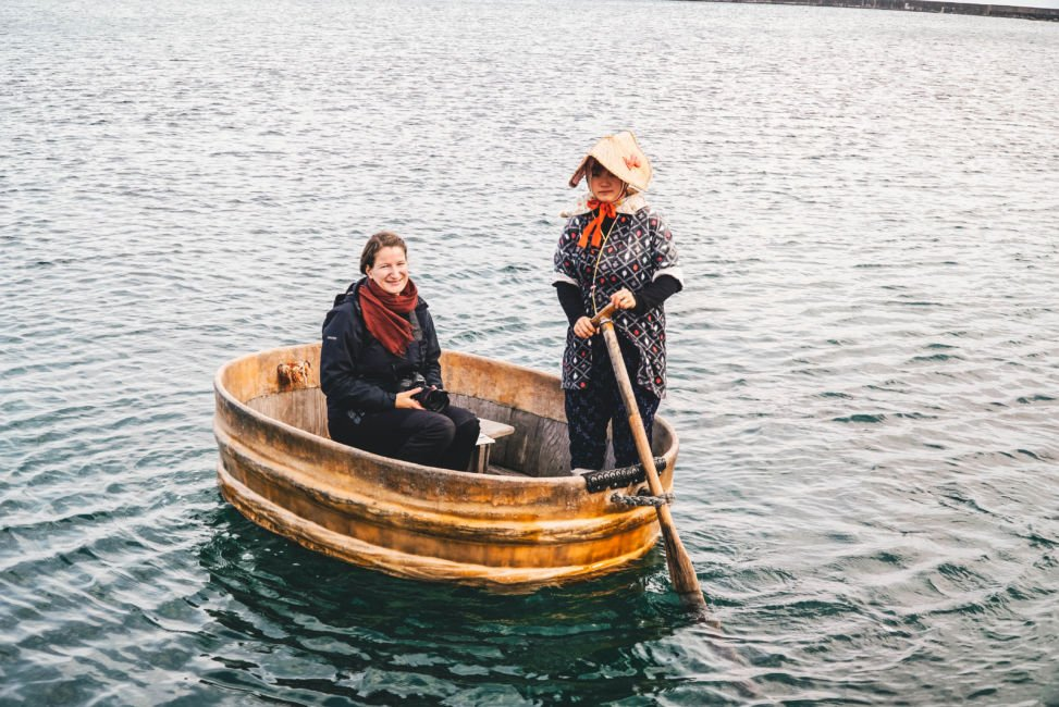 tub boat sado