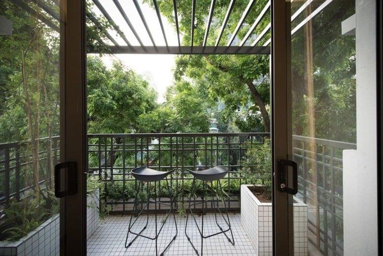 patio airbnb hanoi