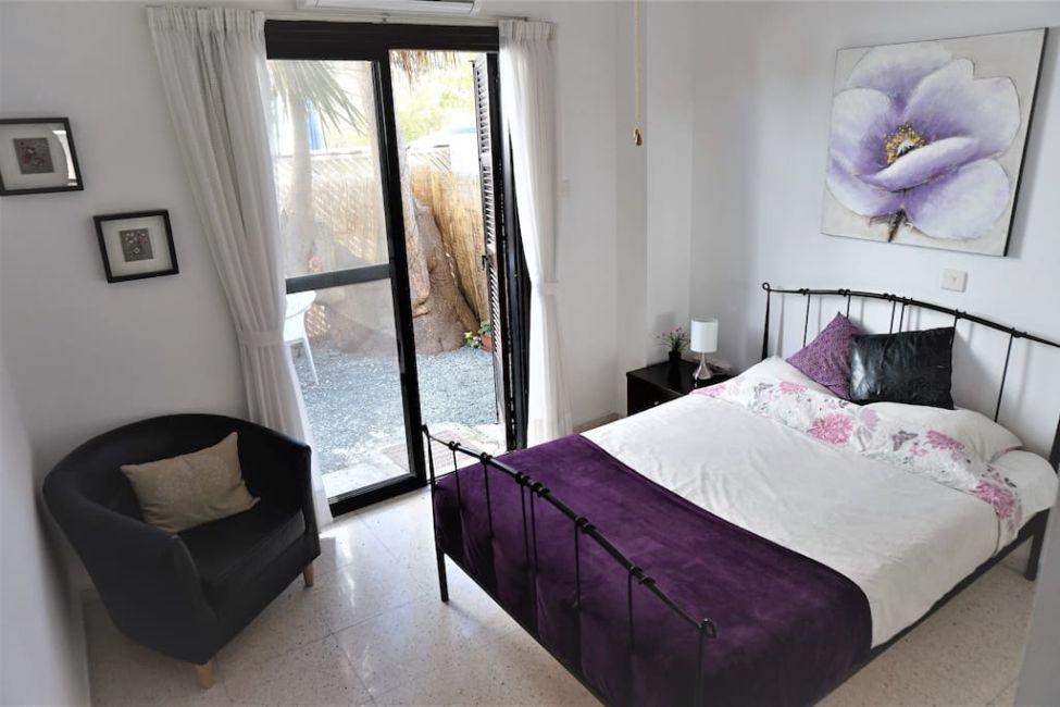 airbnb paphos bedroom