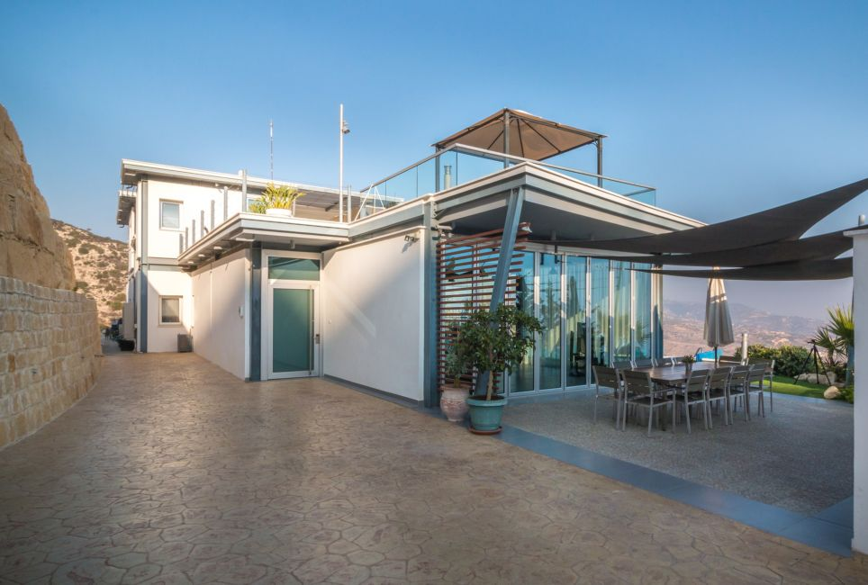 where to stay paphos