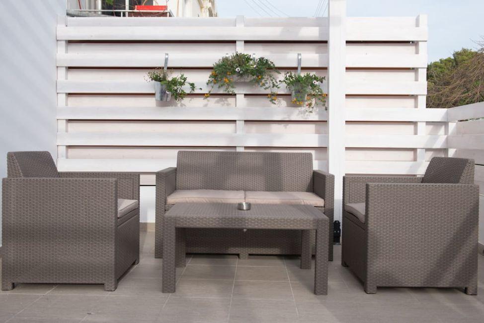 patio airbnb paphos