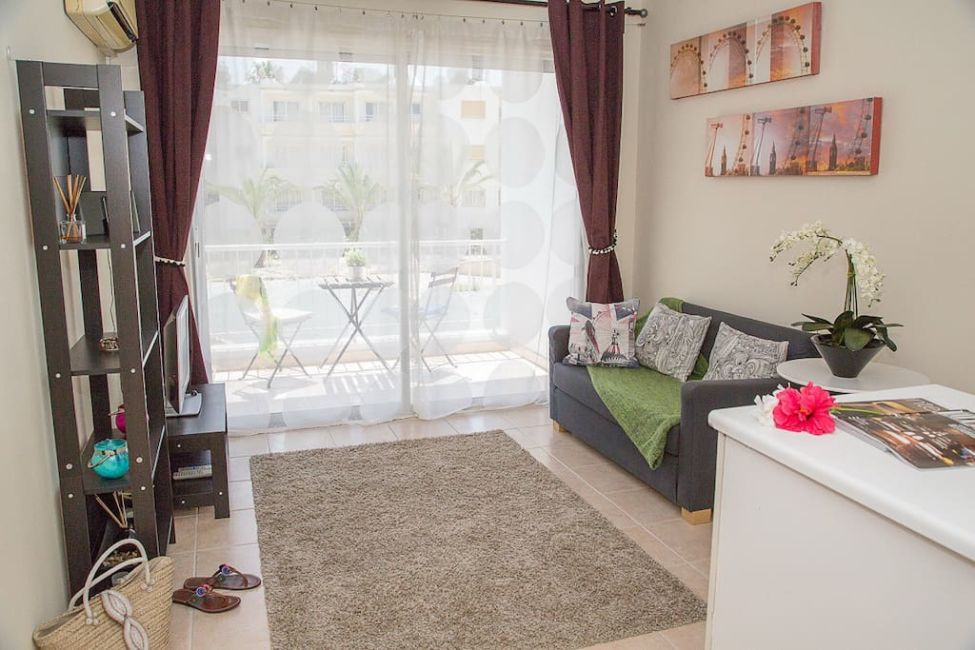 cozy airbnb paphos