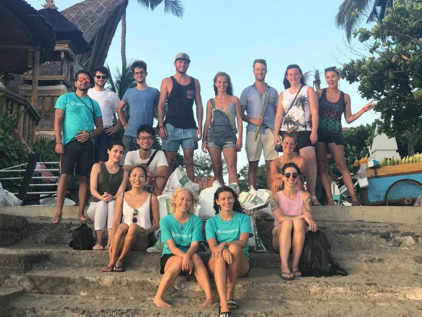 beach clean up canggu