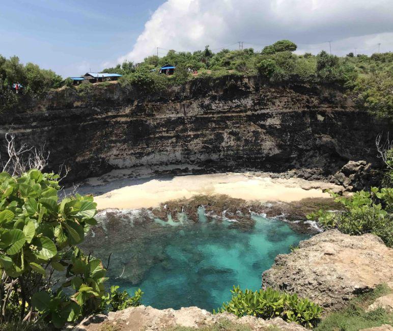 hidden beach on penida
