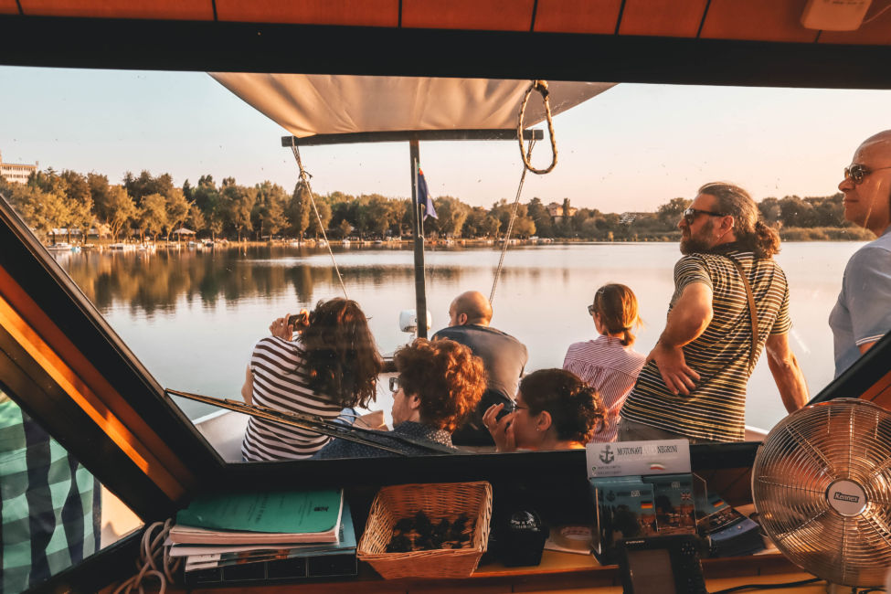 mantova sunset cruise