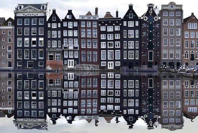 narrow houses amsterdam