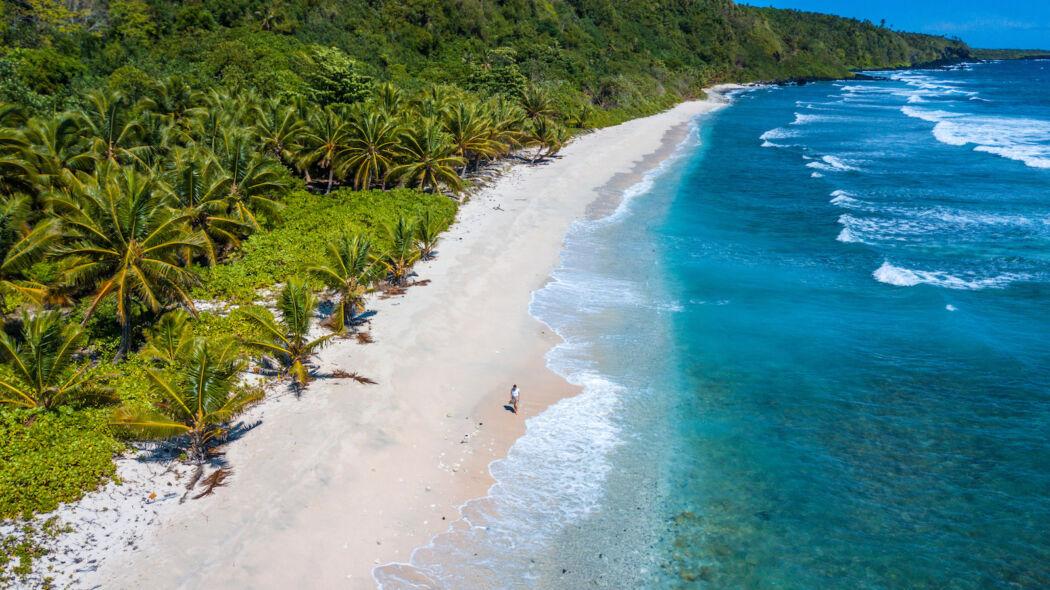 beautiful beach / things to do in samoa